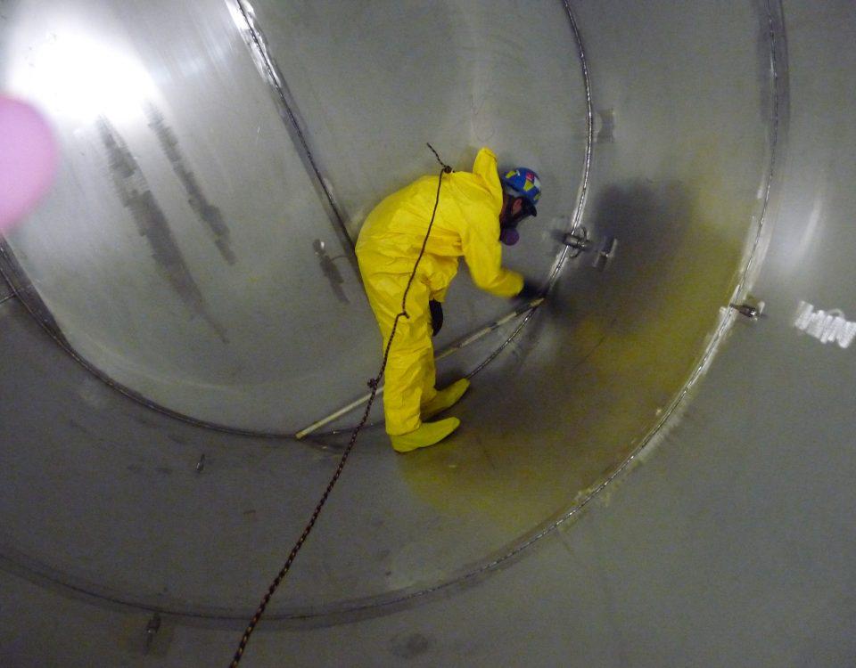 أفضل عمال عزل خزانات بجدة 0555996952 المدار كلين أفضل عمالة شركة عزل فوم بجدة